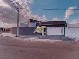 Casa de esquina gpara venda no Jd Ouro Verde - 3 dormitórios 1 suíte com closet