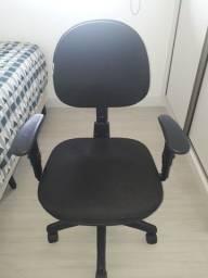 Cadeira com rodinhas para computador