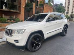Jeep Grand Cherokee Laredo 3.6 2011