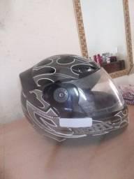 Vendo capacete barato