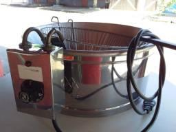 Fritadeira elétrica grande semi nova