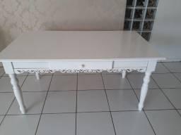 mesa provençal de madeira branca