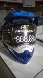 Vendo capacete e bau para moto (novo)