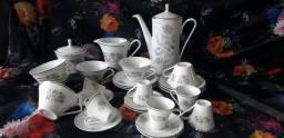 Conjunto porcelana chá e café  antigo REAL