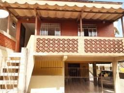 Alugo casa confortável, 3 quartos (suite) Bairro São Sebastião Petrópolis,RJ.