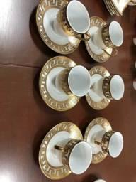 6 xícaras com feletes de ouro