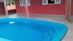 Com piscina a 100 metros do mar em Shangrilá