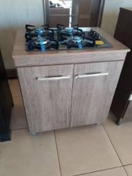 Balcão e fogão cooktop