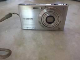 Vende-se câmera fotográfica digital Sony