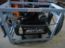 Compressor De Ar Motomil CMV 10/100 - 2HP - 10C Litros - 140 lbs/pol²