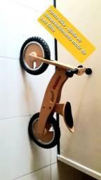 Bike bicicleta tinha bike , madeira sem pedal , quase não foi usada