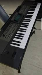 Teclado arranjador Roland E 09