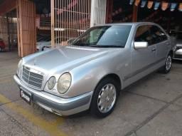 MERCEDES-BENZ E 320 1997/1997 3.2 ELEGANCE V6 GASOLINA 4P AUTOMÁTICO - 1997