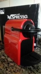 Nespresso inissia C40 vermelha