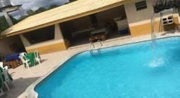 Aluga-se casa para eventos com piscina
