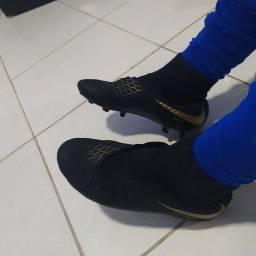 Chuteira Nike Hypervenom 39.40