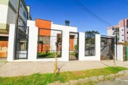Casa seminova com 3 dormitórios, closet, escritório home office, ampla sala de estar, gara