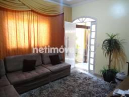 Casa à venda com 3 dormitórios cod:813572