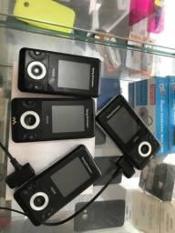 Sony w205 em perfeito estado  com carregador original