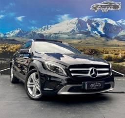 Mercedes-Benz GLA 200 Vision Black Edition 1.6 Turbo Automática Teto solar duplo