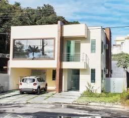 Belíssima Casa Duplex 300 m2 com 03 Suítes com Closet - Condomínio Tapajós