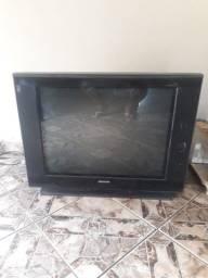 Vendo duas tvs com defeito