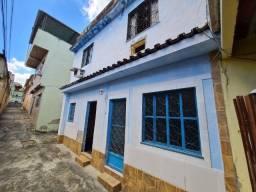 Casa de Vila de 3 andares e 2 Quartos em Quintino!
