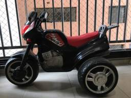 Moto elétrica magic toys