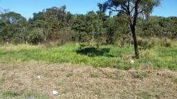 Área de 4 hectares e 9855 m². Saida para 3 Lagoas