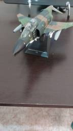 Miniatura  de Aviao de Caça