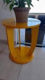 Mesa lateral laqueada
