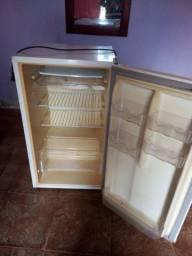 Vendo frigobar Eletrolux