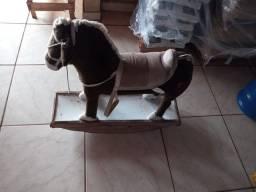 Vende-se Cavalinho de Balanço TOK STOK