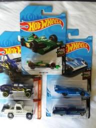 Lote de miniaturas Hot Wheels R$ 80, ou R$ 25 Unid.