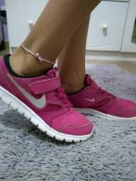 Tênis Nike - 34