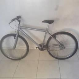 Vendo bike barato 120R$ pra sair hoje