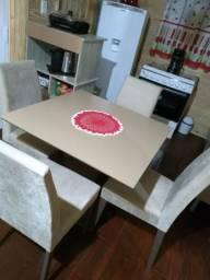 Vendo ou troco por mesa redonda com os pes inox