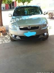 Fiat Siena modelo 2013 completo. muito concervado.falar com Horácio zap - 2012
