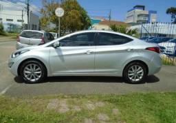 Hyundai Elantra a vista ou parcelado - 2016