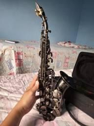 Vende-se Sax Soprano Curvo