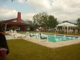 Alugo linda fazenda e sitios em Tingua Nova Iguaçu-rj com piscina, lago, churrasqueira et