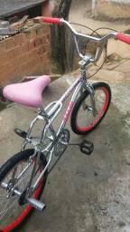 vendo essa bicicleta cross novinha sem nenhum arranhado