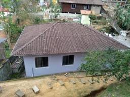 Vende se Casas com Amplo Terreno