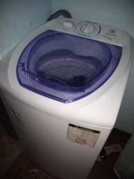 Máquina de lavar semi nova Electrolux