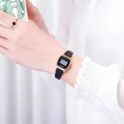 Últimos disponíveis Relógio Feminino Retrô