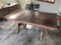 Mesa Antiga de jantar de madeira expansível- 45 anos