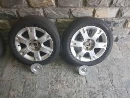 Jogo de pneus e rodas Vectra elegance aro 16.