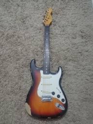 Guitarra Condor das antigas