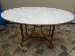Mesa de Granito Oval s/ cadeiras