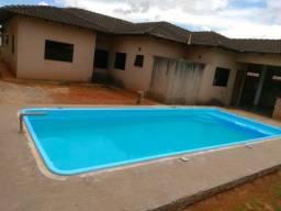 piscina de fibra instalada